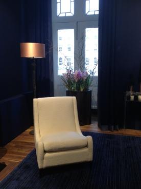 Classic drawing room by Fox Linton Associates
